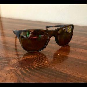 860f304b5653b Oakley Accessories - NWT Oakley Women s Reverie Polarized Sunglasses